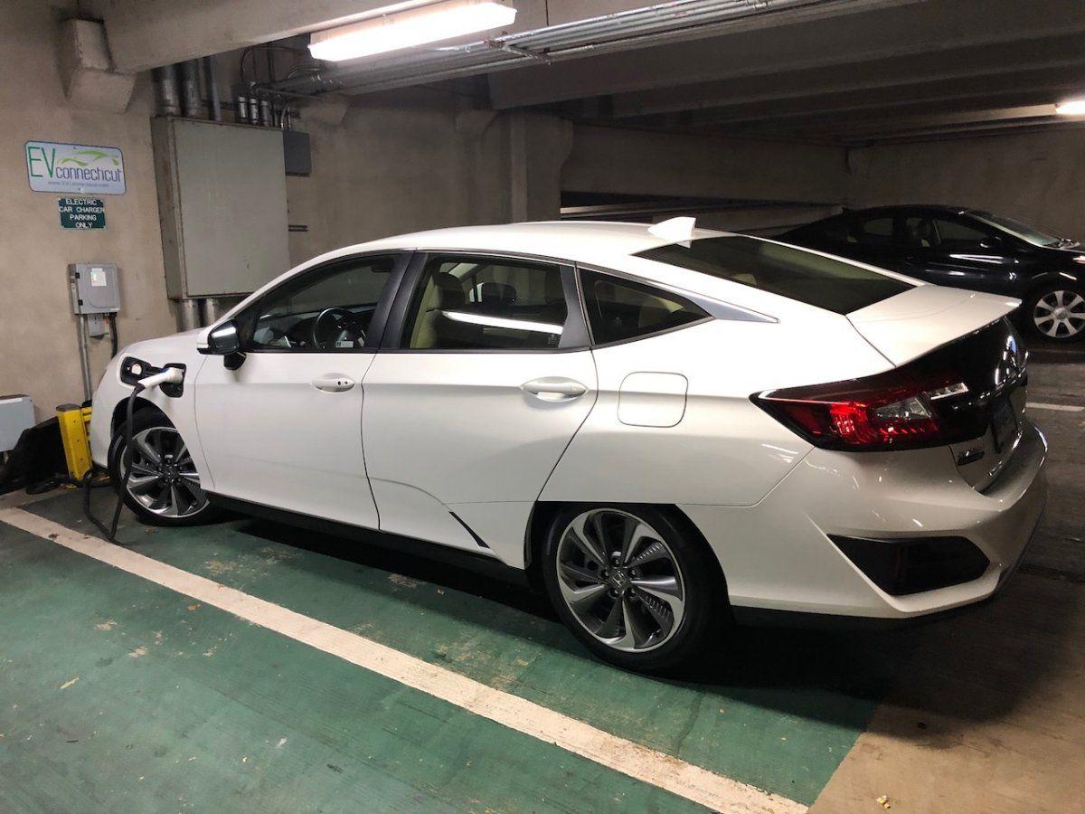 JJ's Honda Clarity (2018) Charging.jpg