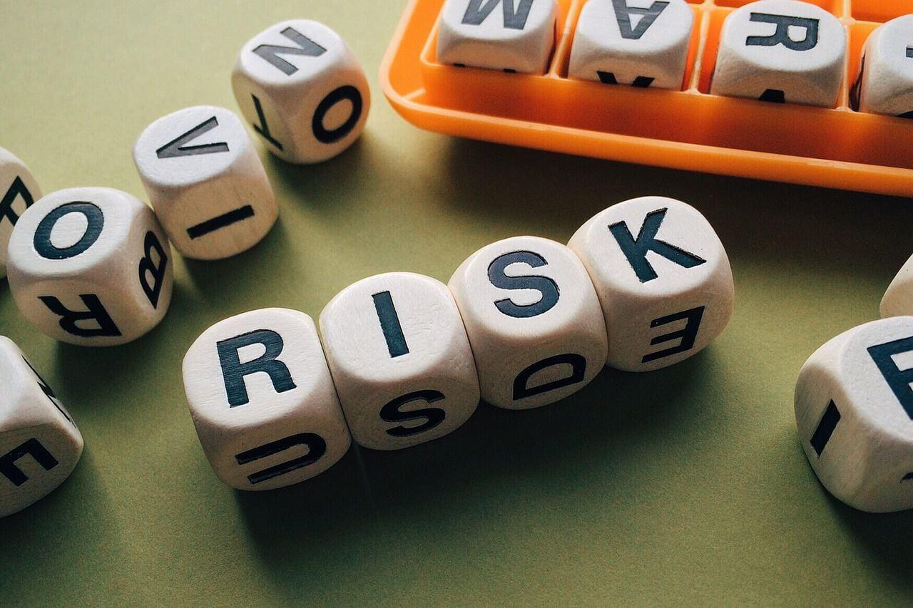 risk-1945683_1280 (1).jpg